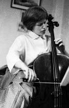 Jacqueline du Pre aged 17 practising cello at home London 1962Jacqueline du Pre aged 17 practising cello at home London 1962Jacqueline du Pre aged 17 practising cello at home London 1962Jacqueline du... - Romano Cagnoni - 17-03-1962
