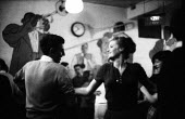 Young couple dancing, jazz club, West End, London 1961Young couple dancing, jazz club, West End, London 1961Young couple dancing, jazz club, West End, London 1961Young couple dancing, jazz club, West... - Romano Cagnoni - 08-10-1961