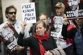 Protest at Julian Assange hearing on the US extradition request, Westminster Magistrates Court, London. The indictment has been condemned by free press organisations as criminalising journalism - Jess Hurd - 30-05-2019