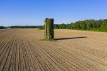 Lorman, Mississippi, USA: Old gain silo in a plowed farm field - Jim West - 14-09-2017