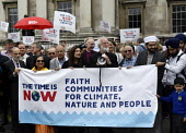 The Time Is Now - Christian Aid protest and lobby of Parliament calling for urgent action on climate change. Ex Archbishop of Cantebury Rowan Williams speaking to multifaith leaders and reps at the he... - Stefano Cagnoni - 26-06-2019
