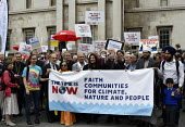 The Time Is Now - Christian Aid protest and lobby of Parliament calling for urgent action on climate change. Ex Archbishop of Cantebury Rowan Williams speaking to joint multi-faith leaders before they... - Stefano Cagnoni - 26-06-2019
