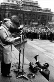 Harold Wilson speaking, Anti Apartheid No British Arms For South Africa rally, Trafalgar Square London 1963 - Romano Cagnoni - 17-03-1963