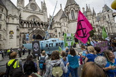 Extinction Rebellion protest Royal Courts of Justice, London, against lack of Government action on climate change and prosecution of mass arrests - Jess Hurd - 2010s,2019,activist,activists,against,CAMPAIGNING,CAMPAIGNS,climate change,DEMONSTRATING,Demonstration,DEMONSTRATIONS,direct action,environment,Environmental degradation,Extinction Rebellion,Global Wa