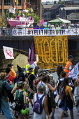 Extinction Rebellion protest, Bristol - Paul Box - 2010s,2019,activist,activists,against,CAMPAIGNING,CAMPAIGNS,DEMONSTRATING,Demonstration,environment,environmental,Extinction Rebellion,people,person,persons,Protest,PROTESTER,PROTESTERS,protesting,PRO