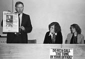 Arthur Scargill NUM speaking 1979 NUJ Meeting debating sexist imagery of 'Page 3 girls' in The MIner, the paper of the NUM - Nick Oakes - 1970s,1979,Anna Coote,Arthur Scargill,bigotry,debate,debating,DISCRIMINATION,equal,equal rights,equality,FEMALE,feminism,feminist,feminists,inequality,journal,journalism,journalist,journalists,male,Ma