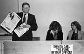 Anna Coote grimacing, Arthur Scargill NUM speaking 1979 NUJ Meeting debating sexist imagery of 'Page 3 girls' in The MIner, the paper of the NUM - Nick Oakes - 1970s,1979,Anna Coote,Arthur Scargill,bigotry,debate,debating,DISCRIMINATION,equal,equal rights,equality,FEMALE,feminism,feminist,feminists,inequality,journalism,journalist,journalists,male,Male Chauv