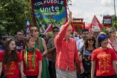 Jeremy Corbyn leads Tolpuddle Martyrs Festival procession, Dorset. - Jess Hurd - 2010s,2019,banner,banners,Dorset,Festival,FESTIVALS,Jeremy Corbyn,Labour Party,member,member members,members,MP,MPs,people,person,persons,politician,politicians,procession,Tolpuddle Martyrs Festival,T