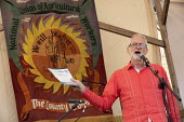 Jeremy Corbyn, Tolpuddle Martyrs Festival, Dorset. - Jess Hurd - 2010s,2019,banner,banners,Dorset,Festival,FESTIVALS,Jeremy Corbyn,Labour Party,member,member members,members,MP,MPs,NUAW,PEOPLE,politician,politicians,SPEAKER,SPEAKERS,speaking,SPEECH,Tolpuddle Martyr