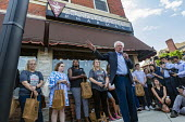 Ontario Canada: Medicare For All campaign Bernie Sanders speaking outside the Olde Walkerville Pharmacy. Sanders organized a bus trip from Detroit for Americans to buy insulin in Canada as part of his... - Jim West - 28-07-2019