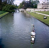 University students punting on the River Cam, Kings College, Cambridge 1958 - Kurt Hutton - 09-06-1958
