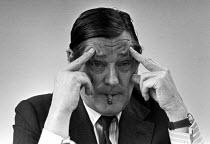 Tony Crosland, Labour MP, theorist of Social Democracy, press conference, London 1975 - NLA - 1970s,1975,Anthony Crosland,conference,conferences,Democracy,Labour Party,London,male,man,men,MP,MPs,people,person,persons,POL,political,politician,politicians,Politics,Social,Tony Crosland