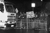 Lorry crossing picket line Wapping dispute, East London, 1986 - Peter Arkell - 28-02-1986