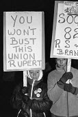 Picket line Wapping dispute, East London, 1986 - Peter Arkell - 1980s,1986,breaking,dismissed,dispute,DISPUTES,EETPU,London,member,member members,members,Murdoch,News International,NGA,Picket,PICKETING,PICKETS,placard,placards,print unions,sacked,sacking,sackings,