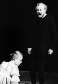 Marianne Faithfull as Ophelia and Nicol Williamson as Hamlet in Hamlet by William Shakesepeare directed by Tony Richardson Roundhouse Theatre London 1969Marianne Faithfull as Ophelia and Nicol William... - Patrick Eagar - 17-02-1969