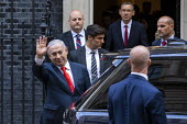 Benjamin Netanyahu is welcomed by Boris Johnson into No. 10 Downing Street, Westminster, London. - Jess Hurd - 2010s,2019,Benjamin Netanyahu,CONSERVATIVE,Conservative Party,conservatives,Downing Street,Likud-National Liberal Movement,London,POL,political,POLITICIAN,POLITICIANS,Politics,Street,wave,waving,Westm