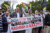 Kashmiris protest outside Parliament after India took control of Kashmir, London - Philip Wolmuth - 03-09-2019