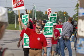 Detroit, Michigan, USA: striking UAW workers picketing GM Detroit-Hamtramck Assembly Plant on the first day of their strike. The plant is one of those that GM says it will close. The strike's main iss... - Jim West - 1st,2010s,2019,AFL CIO,AFL-CIO,African American,African Americans,America,Assembly,automotive,BAME,BAMEs,BEMM,BEMMS,black,Black and White,BME,bmes,Car Industry,carindustry,CLOSED,closing,closure,closu