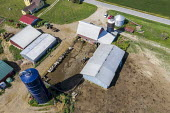 Three Oaks, Michigan, USA: A small dairy farm - Jim West - 14-09-2017