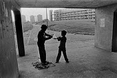 Children playing, Hulme Crescents, Manchester 1978 - NLA - 21-03-1979