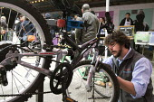 Bristol Bikesmiths servicing and repairing bikes, Tobacco factory Market, Bristol - Paul Box - 20-03-2016