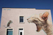 Cat and Mouse mural by Boe & Irony UPFEST 2018, Street Art and Graffiti Festival, Bristol - Paul Box - 2010s,2018,animal,animals,art,artwork,artworks,Bristol,cat,cats,feline,Festival,FESTIVALS,graffiti,mice,mouse,mural,murals,Painting,paintings,PEOPLE,Street,street art,style,wall painting