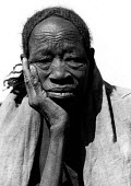 Elderly refugee from Chad, Sudan Chad border, 1984 - Masanori Kobayashi - 1980s,1984,africa,African,Africans,age,ageing population,border,Chad,Conflicts,developing world,Diaspora,displaced,displacement,eldely old,elderly,excluded,exclusion,fail,famine,FEMALE,foreigner,forei