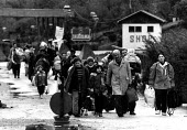 Kosovar Albanian refugees fleeing across the border, 1992, Molina, Kosovo - Albania border - Masanori Kobayashi - 03-05-1999