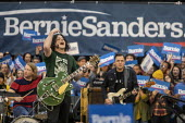 Detroit, USA Rock musician Jack White, Bernie Sanders Presedential campaign rally 2020 - Jim West - 2010s,2019,2020 election,America,Bernie,Bernie Sanders,campaign,campaigning,CAMPAIGNS,candidate,candidates,democracy,Democrat,Democratic Party,Democrats,Detroit,election,ELECTIONS,government,guitar,gu