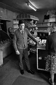 Traditional greengrocer, Islington, London 1972. Danny Doolan closing his shop due to competition from new supermarkets - Martin Mayer - 30-05-1973