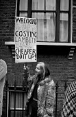 Squatters Protest at cost of demolition Kennington 1976. Squatters occupying a terraced house which Lambeth council plan to pull down - NLA - 10-12-1976