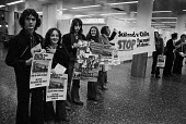 Match of Shame protest 1977 at a friendly football match between Chile and Scotland in Santiago stadium. In 1973, After the military coup ousting Allende by General Pinochet, soldiers used the nationa... - Peter Arkell - 09-06-1977