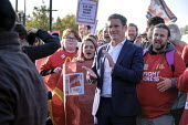 Keir Starmer, McDonalds workers on strike over low pay, picket Wandsworth Town branch, London - Philip Wolmuth - 12-11-2019