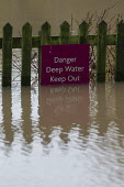 Warning sign, Floods, Stratford upon Avon, Warwickshire - John Harris - 15-11-2019