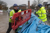 Enviroment Agency fitting barriers to flood defenses, Stratford upon Avon, Warwickshire - John Harris - 2010s,2019,Agency,BAD,barrier,barriers,defenses,employee,employees,Employment,ENI,environment,Environment Agency,Environmental Issues,EXTREME,fitting,flood,flooded,flooding,floods,job,jobs,LBR,nature,