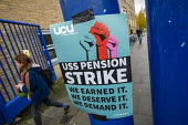 Queen Mary University of London UCU USS Pension strike picket line, Tower Hamlets, East London. - Jess Hurd - 27-11-2019