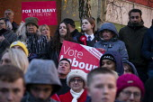 Jeremy Corbyn, General Election Campaign, Dinnington, South Yorkshire - John Harris - 11-12-2019