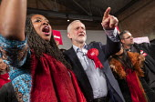 Dawn Butler, Jeremy Corbyn general election rally, Hoxton Docks, Hackney, East London. - Jess Hurd - 2010s,2019,BAME,BAMEs,Black,Black and White,BME,bmes,campaign,campaigning,CAMPAIGNS,Dawn,Dawn Butler,DEMOCRACY,diversity,DOCK,Docks,East London,election,elections,ethnic,ethnicity,eve of poll,FEMALE,G