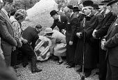 Unveiling The Holocaust Memorial, Hyde Park, London, 1983 with the laying of a wreath from the Board of Deputies of British Jews. The first public memorial to the victims of the Holocaust in the UK, t... - NLA - 28-06-1983