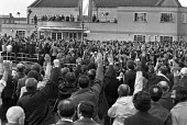 Workers voting, mass meeting, Ford Dagenham, Essex, 1978. The combine wide strike sparked the Winter of Discontent. Strikers demand a 20% pay increase against the government pay restraint - NLA - 04-11-1978