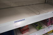 Empty shelves, paracetamol shortage Boots, London - Duncan Phillips - 2020,2020s,Boots,bought,buy,buyer,buyers,buying,cities,City,commodities,commodity,consumer,consumers,contagious,coronavirus,Covid 19,crisis,customer,customers,demand,disease,DISEASES,drug,drugs,Empty,