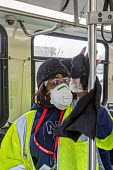 Detroit, Michigan, USA. Bus Cleaning after a one day strike by ATU bus drivers for protections against coronavirus. Workers disinfecting a city bus between journeys to protect against the Covid-19 vir... - Jim West - 18-03-2020