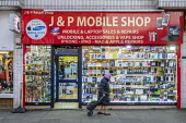 Used mobile phone and laptop shop, Kilburn, London - Philip Wolmuth - 09-12-2019