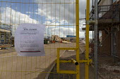 Coronavirus Pandemic. Closed and abandoned building site, Stratford Upon Avon, Warwickshire - John Harris - 04-04-2020