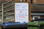 Coronavirus Pandemic. Sign thanking refuse workers for emptying the waste bins, gratitude to essential workers, Stratford-upon-Avon, Warwickshire - John Harris - 16-04-2020