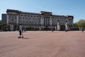 Coronavirus Pandemic. Empty Streets, Buckingham Palace, London - Duncan Phillips - 22-04-2020