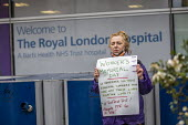 Minute's silence for key workers who have died in the Coronavirus Pandemic, The Royal London Hospital, East London - Jess Hurd - 28-04-2020