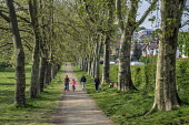 Coronavirus pandemic. Locals walking, Gladstone Park, Brent, London - Philip Wolmuth - council,2020,2020s,access,cities,City,coronavirus,council,councils,covid-19,disease,DISEASES,epidemic,exercise,exercises,exercising,families,family,footpath,footpaths,local authority,local government,