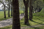 Coronavirus pandemic. Locals walking, Gladstone Park, Brent, London - Philip Wolmuth - 27-04-2020