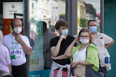 Mask up Friday, Shoppers queing to enter a phone shop, wearing masks in the street, Stratford Upon Avon - John Harris - 24-07-2020